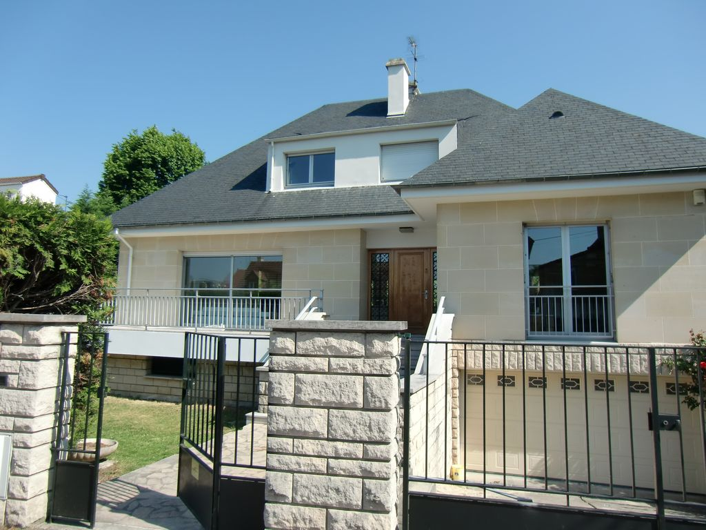 House, 250 square meters