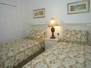 Glenbrook Resort villa photo - Twin Bedroom
