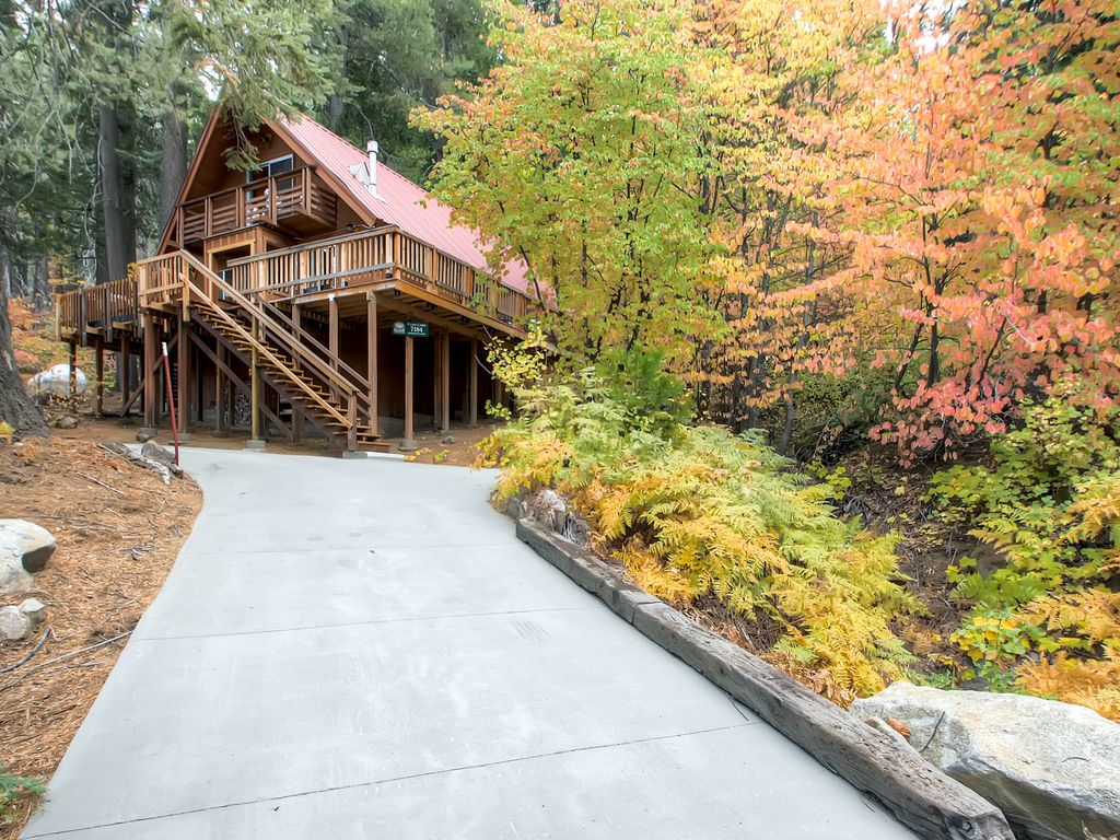 Clark cabin is a single cabin that has 3 vrbo for Yosemite national park cabin rentals
