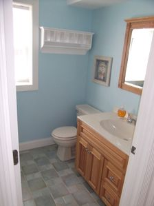 Cape May house rental - 1st floor bathroom with shower