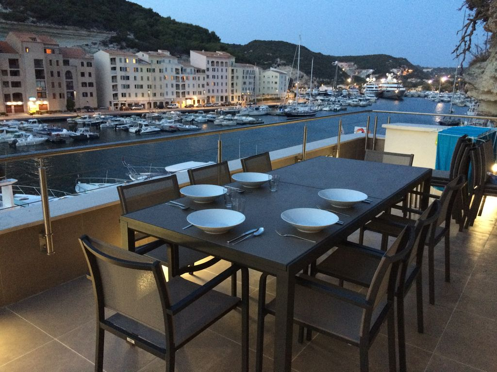 Accommodation near the beach, 160 square meters,
