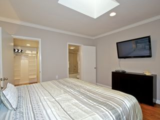 Mission Beach apartment photo - Master suite features king bed and 46' TV