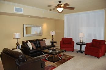 Living Area....when blinds are open unobstructed view of the Gulf