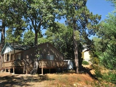 Lots of Trees, Mountain Fresh Air. Mountain Vacation Rental near Lake Arrowhead