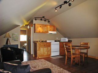 West Yellowstone house photo - Apartment-available for extra charge-with bath, queen bed. Nice little escape!