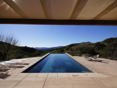 Magical Modern Mountian Lair 50-foot Infinity Pool with Endless Ojai Views