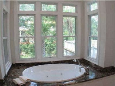 Kiawah Island house rental - Master bath tub