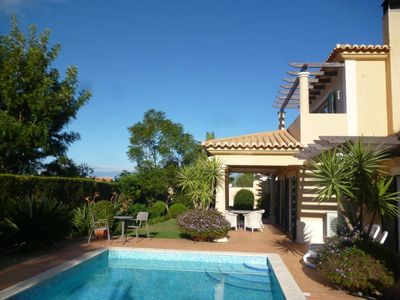 Spacious and modern 2-bedroom/2-bathroom villa with a private heated pool