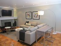 Fantastic, Recently Decorated Cow Hollow 2 Br, 1 Ba Condo