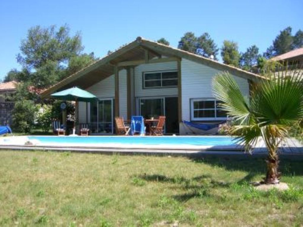 Accommodation near the beach, 115 square meters, with pool