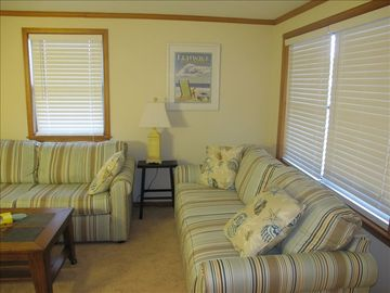 Living Room with fold out Queen sofa and foldout twin loveseat