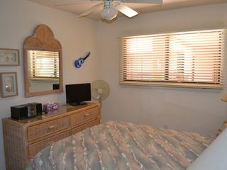 Maalaea condo photo - 2nd bedroom w/queen size bed.
