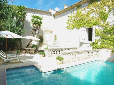 Luxury accommodation, 300 square meters, close to the beach