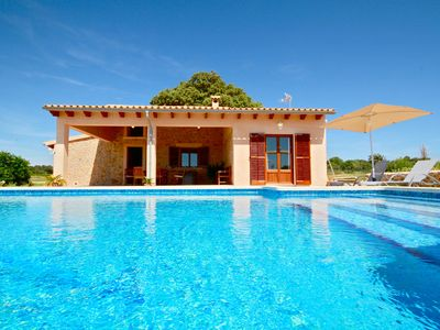 New, modern stone-built house with 5 x 10 meter pool, 3 bedrooms, 2 bathrooms for 6+ Baby