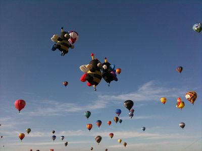 Balloon Fiesta, enjoy over 1000 balloons, a world event.