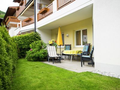 Beautiful, tastefully furnished apartment with lovely garden.