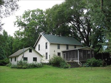 Sawyer farmhouse rental - Twelve acres of trails, forests, birds, nature, and peace and quiet.