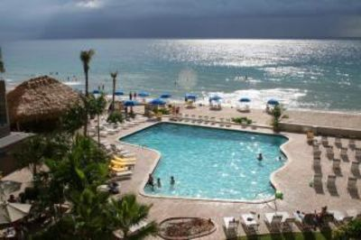 Ocean Manor Hotel - Beachfront - Furnished Suite - Sleeps 8+