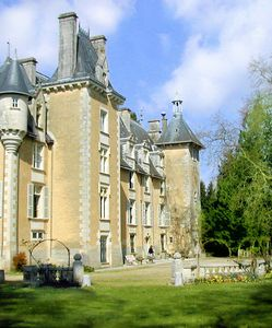Savigny-Levescault chateau / country house rental