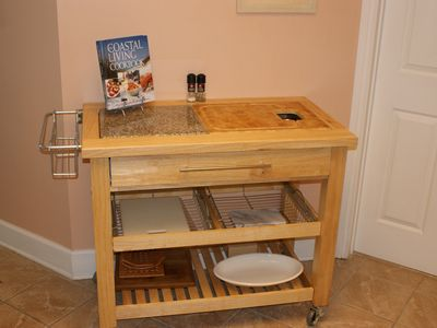 The gourmet cook will enjoy this chef prep station.
