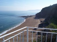 Cliff Top House, Stunning sea views, Sleeps 8, 2 Dogs welcome Car parking