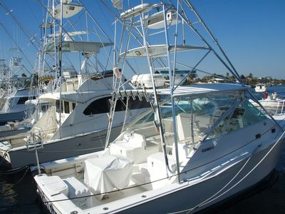 Our charter fishing fleet and snorkel and dive boats are f minutes up the road.