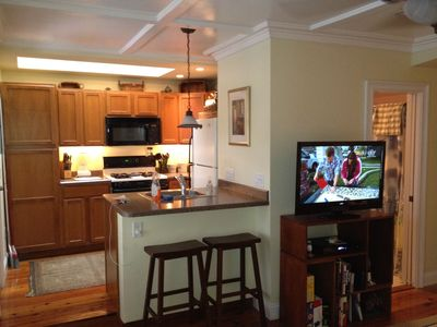 Provincetown condo rental - Kitchen & Bar