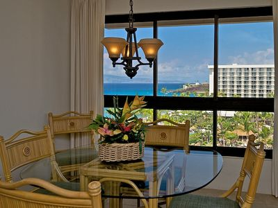 Dining area for five with a beautiful ocean view