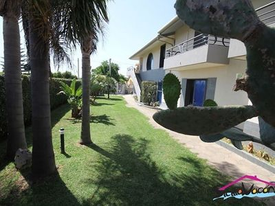 Beautiful apartment in a villa 150 m from the sea.
