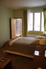 1st Arrondissement Louvre apartment photo - Queen size bed