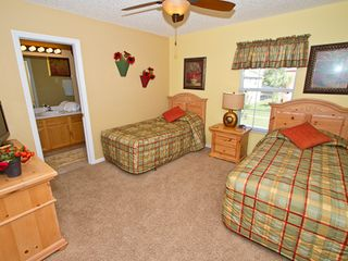 Twin bedroom - Emerald Island villa vacation rental photo