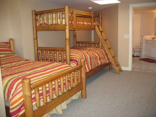 Bunk/ children room off guest suite with shared full bath - Lake Anna house vacation rental photo