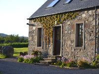 Peaceful, cosy cottage in beautiful Highland Perthshire with wonderful views
