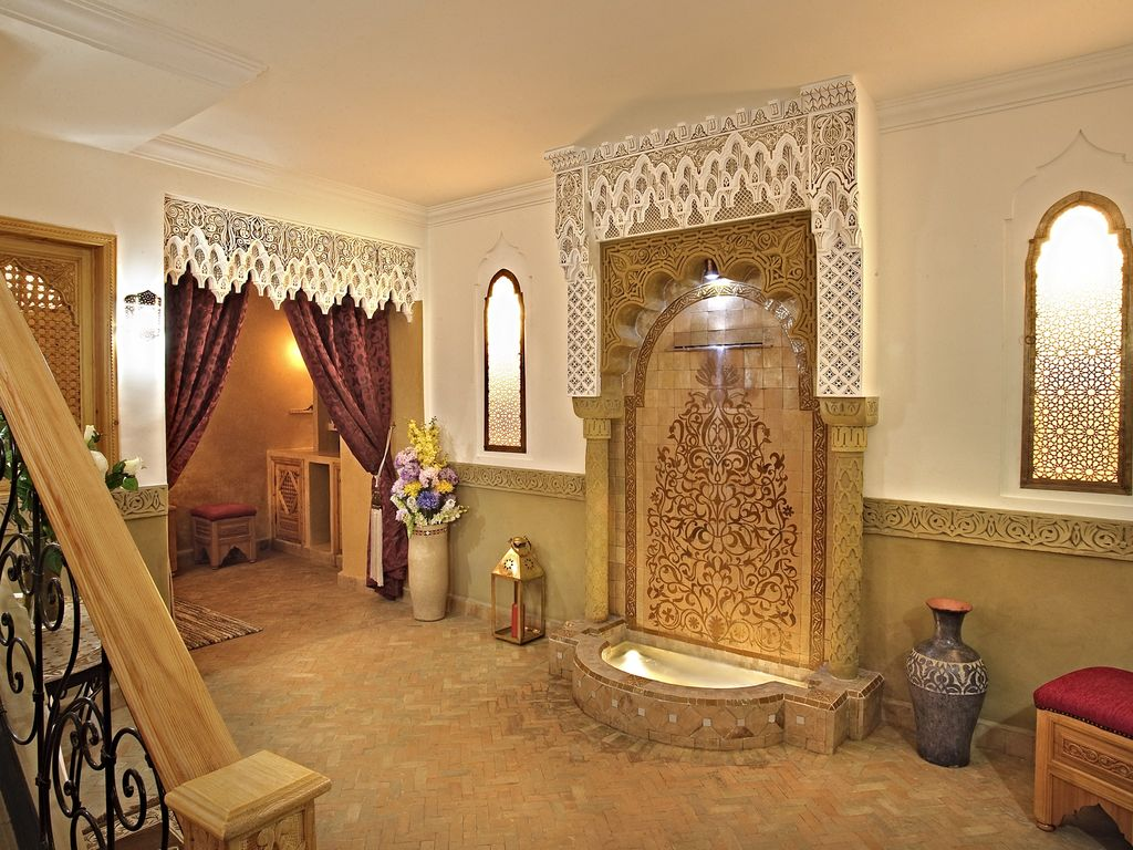 Marrakech rented exclusively with spa   house staff ...   904313