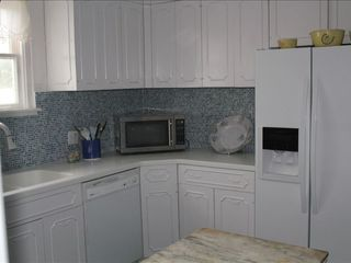 Ponte Vedra Beach house photo - Kitchen with all new appliances, countertops and sink!