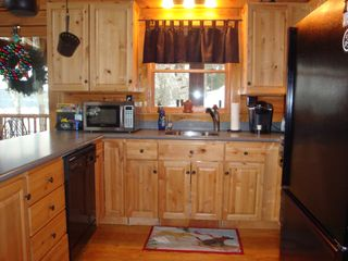 Lunenburg cabin photo - Modern kitchen