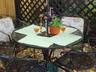 Annapolis cottage photo - Annapolis accommodates fall alfresco.