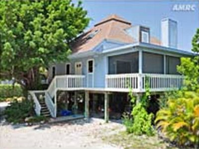 Sunset Captiva 3 bedroom home in beach front community