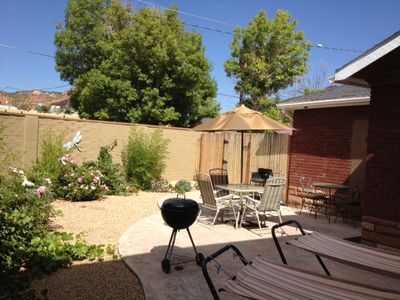 Kanab cottage rental - Private Enclosed Patio with peek-a-boo view of the cliffs.