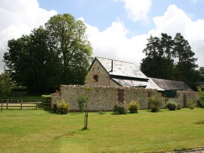 Farmhouse In West Dorset countryside, Wheelchair accessible, Wifi, Sleeps 8,