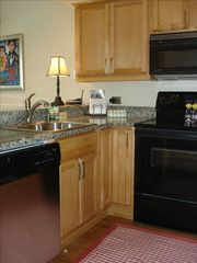 Seabrook Island condo photo - Kitchen with granite counter tops