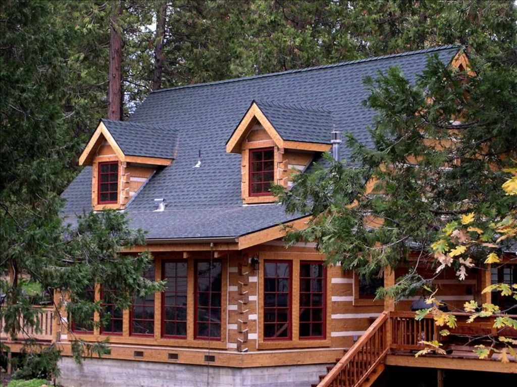 The mount 39 s bass lake log cabin vacation vrbo for Vacation log homes