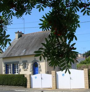 BINIC charming Breton House 100 m sea, beach, shops, harbour, internet free