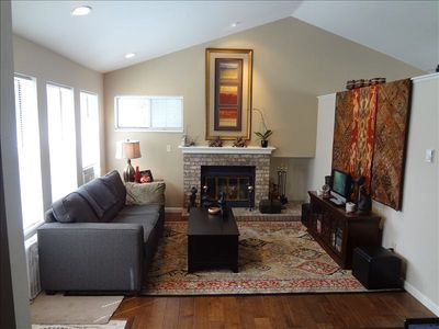 Designer Livingroom with fireplace, wifi and cable