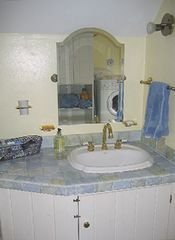 Round Pond apartment photo - Bathroom