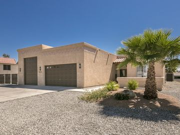 Lake Havasu City house rental - This house is beautiful inside & out! Has HUGE 60' RV garage and 4BR's