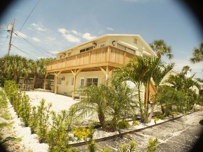 LARGE BEACH FRONT STUDIO - QUEEN BED W/PULLOUT SLEEPS 4 FULL KITCHEN