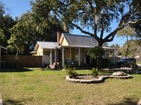 Dream Vacation Home 3/2 Loaded with Extras!!