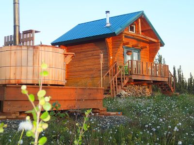 Private & Cozy Cabin With Hot Tub!