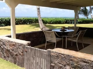Hauula condo photo - Lanai looking toward the ocean.